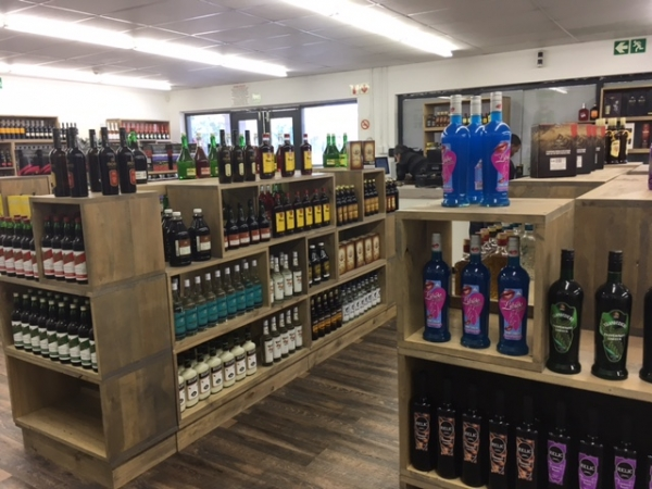 New Market Liquors at Tokai on Main